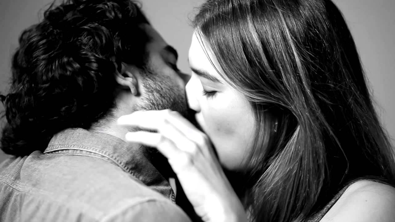 20 främlingar kysser varandra för första gången