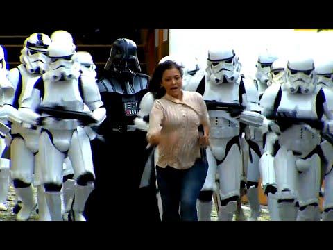 Darth Vader och stormtrooper-armé överraskar flanörer – Dolda kameran